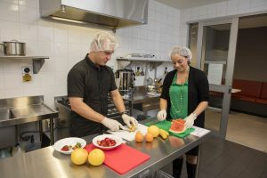 Commercial kitchen for dietary studies